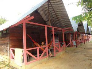 Hangmat in ons hutje Isadou Suriname